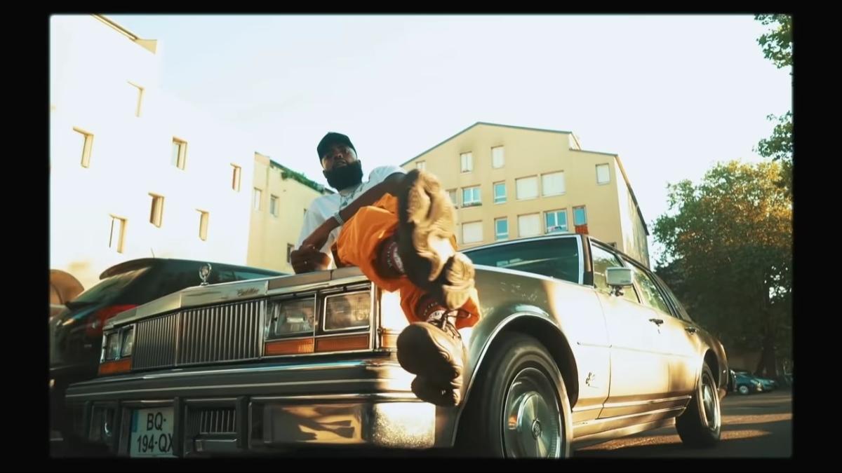 Regardez «#DJTitai feat #DrBeriz – #FREESTYLEDANSLAMINE #EP06» sur#YouTube