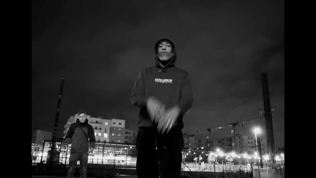 Regardez « #Vesti feat. #Lesram – #PROGRESSE » sur #YouTube