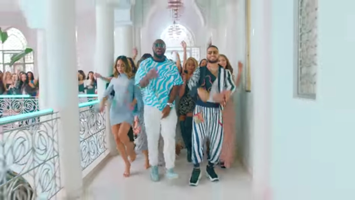 Regardez « #GIMS, #Maluma – #HolaSeñorita (#Maria) [#OfficialVideo] » sur #YouTube