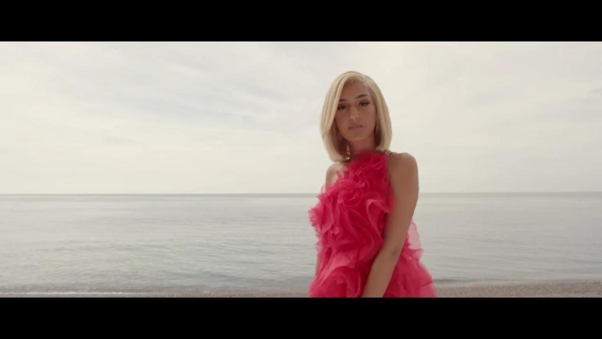 Regardez «#Mel – #Molo (#ClipOfficiel)» sur#YouTube